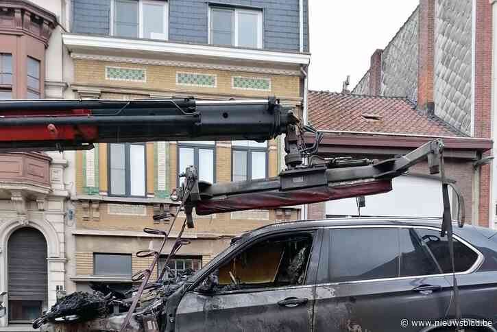 Auto brandt uit in Berkenrodelei
