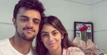 Mariana Uhlmann derrete corações ao protagonizar clique romântico com o maridão, Felipe Simas - CARAS Brasil