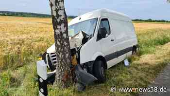 Kreis Helmstedt: Heftiger Baum-Crash bei Lehre – zwei Verletzte - News38