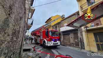 Incendio vecchia abitazione a Barcellona Pozzo di Gotto - Quotidiano di Sicilia