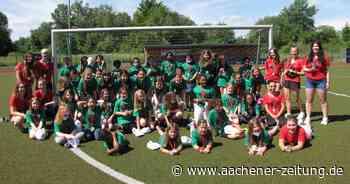 Fußballcamp in Simmerath: Mädchen endlich doch am Ball - Aachener Zeitung