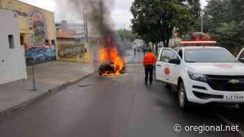 Carro pega fogo em rua de Artur Nogueira - O Regional
