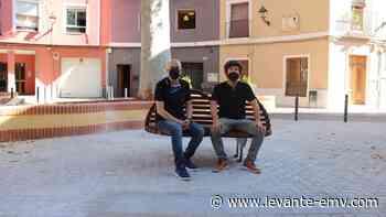 """El """"Banco del Beso"""", un icono del afecto libre en Dénia - Levante-EMV"""
