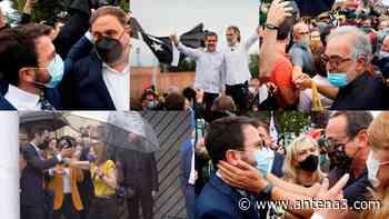 Abrazos, gritos de independencia, esteladas y selfies: así ha sido la salida de los líderes del procés de pris - Antena 3 Noticias