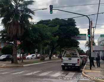 El Municipio de Resistencia continúa arreglando e instalando semáforos - Diario Chaco