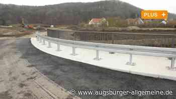 """Gabionenwand schützt Baugebiet """"Am Weberanger"""" vor Lärm - Augsburger Allgemeine"""