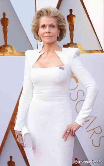 Jane Fonda, 83, Looks Amazing In Yoga Pants Workout - The Blast