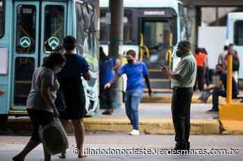 Motoristas e cobradores de ônibus de Fortaleza aceitam acordo de reajuste que suspendeu greve - Diário do Nordeste