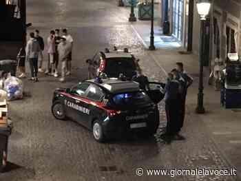 CHIVASSO. Tira fuori il pisello davanti ad alcune ragazze e rischia il linciaggio - giornalelavoce