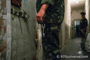 Apareció muerto y desnudo un recluso en la cárcel de Las Rosas - 970universal.com