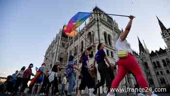 Ley anti-LGBTIQ+ desencadena la controversia entre Hungría y la Unión Europea - FRANCE 24