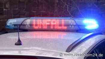 Zwei Fahrbahnen auf der A8 Richtung Salzburg nach Lkw-Unfall gesperrt