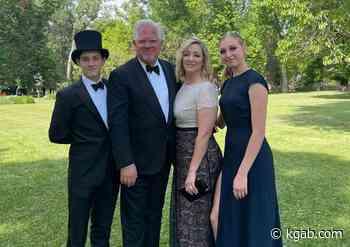 Radio Host Glenn Beck Shares Family Wedding Photos Taken in Sheridan, Wyoming - Kgab