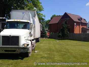 Big rig slams into Elgin County house - St. Thomas Times-Journal