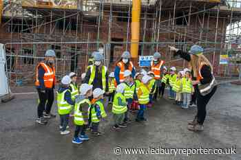 """Children from Busy Bees Nursery """"adopt"""" houses at Leadon Way development"""