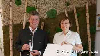 Sepp Bichler für ehrenamtliches Engagement ausgezeichnet