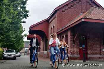 Acht deelfietsen aan station in Wevelgem
