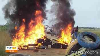 Protesto interdita trecho da rodovia entre os municípios de Tobias Barreto e Poço Verde - G1