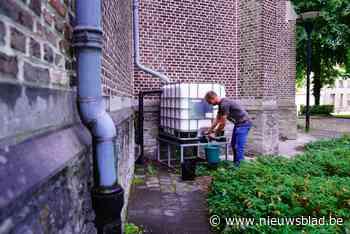 Van planten water geven tot toiletten doorspoelen: zo bespaar je water met kerkdaken