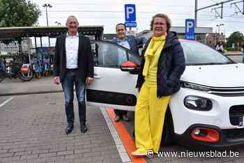 Cambio verhuist auto van Lakenmarkt naar Stationsplein