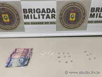 Brigada Militar de Flores da cunha realiza a terceira prisão por tráfico nesta sexta-feira - Rádio Studio 87.7 FM   Studio TV   Veranópolis