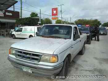 Motociclista impacta con camioneta en la carretera Mérida – Tixkokob - Yucatán a la mano