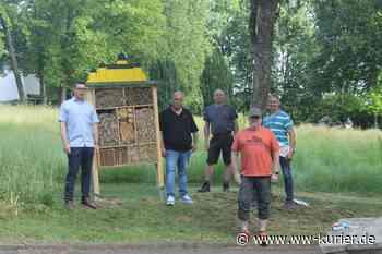 Insektenhotel auf dem Parkfriedhof Montabaur aufgestellt auf naturnahen Blühflächen - WW-Kurier - Internetzeitung für den Westerwaldkreis