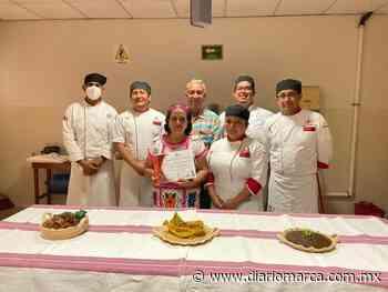 Cocinera tradicional recibe reconocimiento del Instituto Universitario de Oaxaca - Diario Marca de Oaxaca