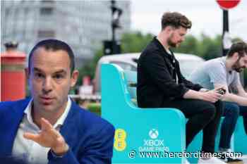 Martin Lewis issues warning to mobile phone users as EE resume roaming charges