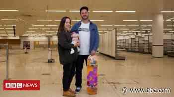 Former Portsmouth supermarket set to be indoor skatepark - BBC News