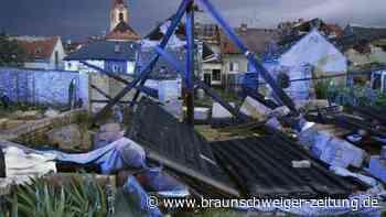 Tornado und Unwetter verwüsten Dörfer in Tschechien