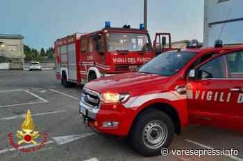 Venegono Superiore, all'alba prende fuoco un macchinario aziendale - varesepress.info