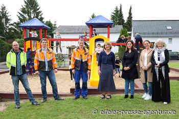 Schulkinder an der GGS Kall freuen sich über moderne Spielgeräte - Eifeler Presse Agentur - Nachrichten