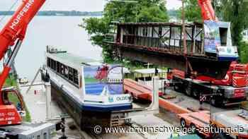 Spezialtransport mit halbem Ex-Dampfer kommt in Oldenburg an