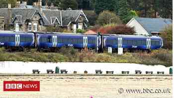 Railway trespass warning over Burntisland beach rising tides