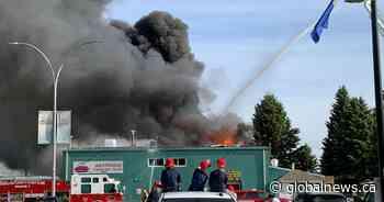 Fire rips through Stony Plain's Westridge Curling Club - Global News