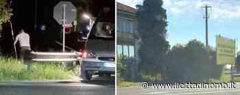 Mezzago, nella notte installano un cartellone abusivo: la Polizia locale li sorprende grazie alla videosorveglianza - Cronaca, Mezzago - Il Cittadino di Monza e Brianza