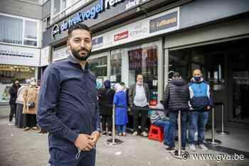 Lange rijen bij Antwerpse reisbureaus voor reizen naar Marokko - Gazet van Antwerpen