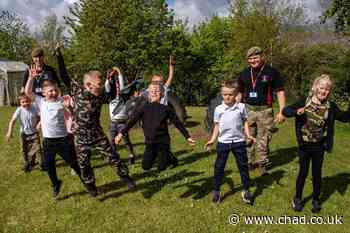 Desert Rats put Sutton youngsters through their paces during school visit - Mansfield and Ashfield Chad
