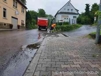 Überflutete und verschmutzte Fahrbahnen nach Unwetter in Kraichtal - Hügelhelden.de