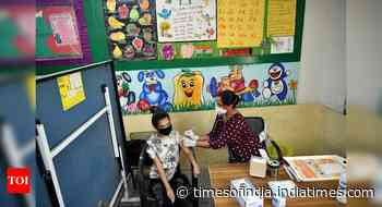 Coronavirus live updates: Over 1.50 crore Covid vaccine doses available with states, Centre says - Times of India