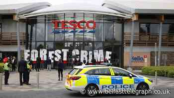Tesco avoids bloody nose from shareholders over pay