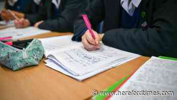 Parents can claim £150 payment towards school uniform costs - how to apply