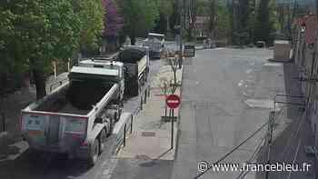 Trop de camions en centre-ville, le maire de Cadenet a peur pour ses écoliers - France Bleu