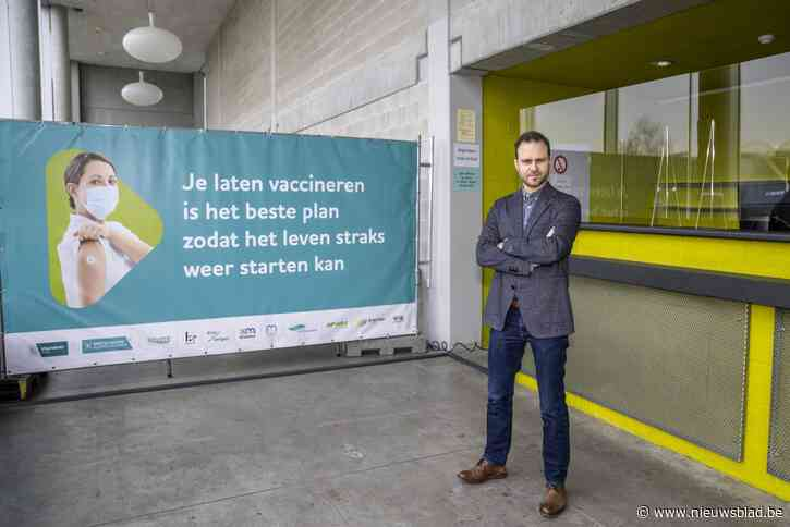 """KAART. Kijk hier hoever jouw gemeente staat met vaccineren: """"Twintigers worden nu uitgenodigd voor eerste prik"""""""