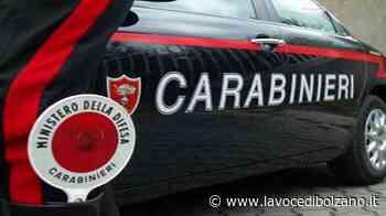 Laives, nigeriano fuori controllo aggredisce i passanti e una barista: nove feriti - La Voce di Bolzano