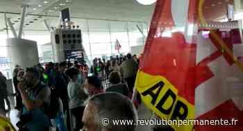 Les salariés d'ADP bloquent les aéroports de Roissy et Orly contre les attaques de leur direction ! - http://www.revolutionpermanente.fr/Section-Politique