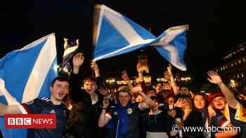 Euro 2020: Crowds celebrate Scotland's 0-0 draw with England - BBC News
