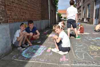 Scholieren geven de straat meer kleur (Bornem) - Gazet van Antwerpen Mobile - Gazet van Antwerpen