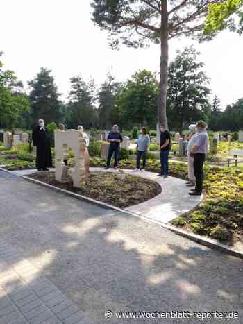 Einweihung des Sternengrabfelds auf dem Waldfriedhof: Ort der Trauer für Eltern - Wochenblatt-Reporter